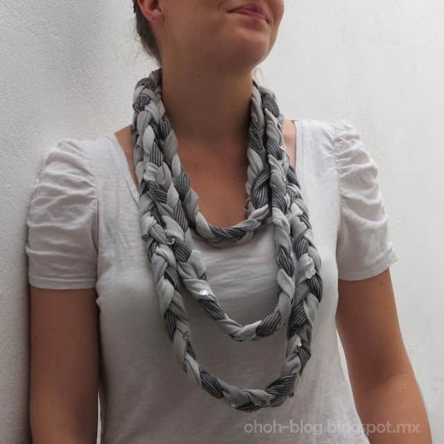 Braided scarf with old t-shirts