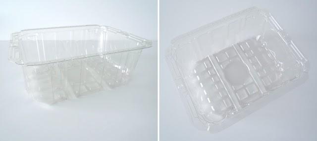 Plastic container stamp / Estampa con un envase de plástico