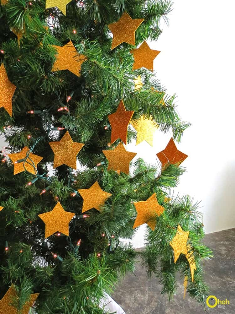 DIY stars ornaments Christmas tree