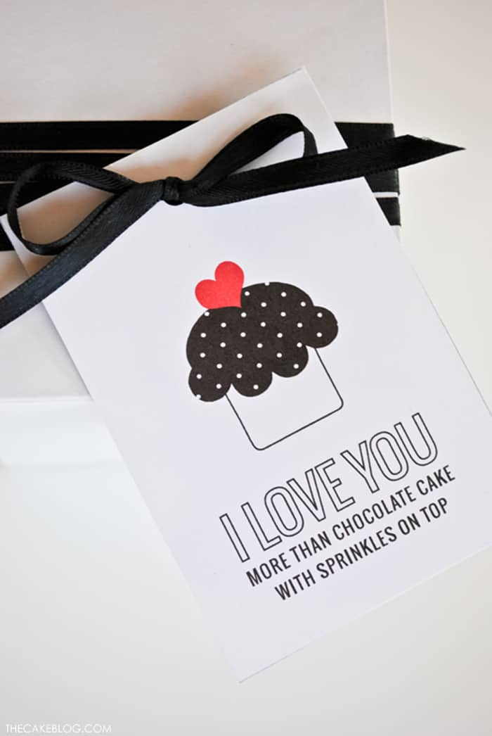 free valentine's card cupcake