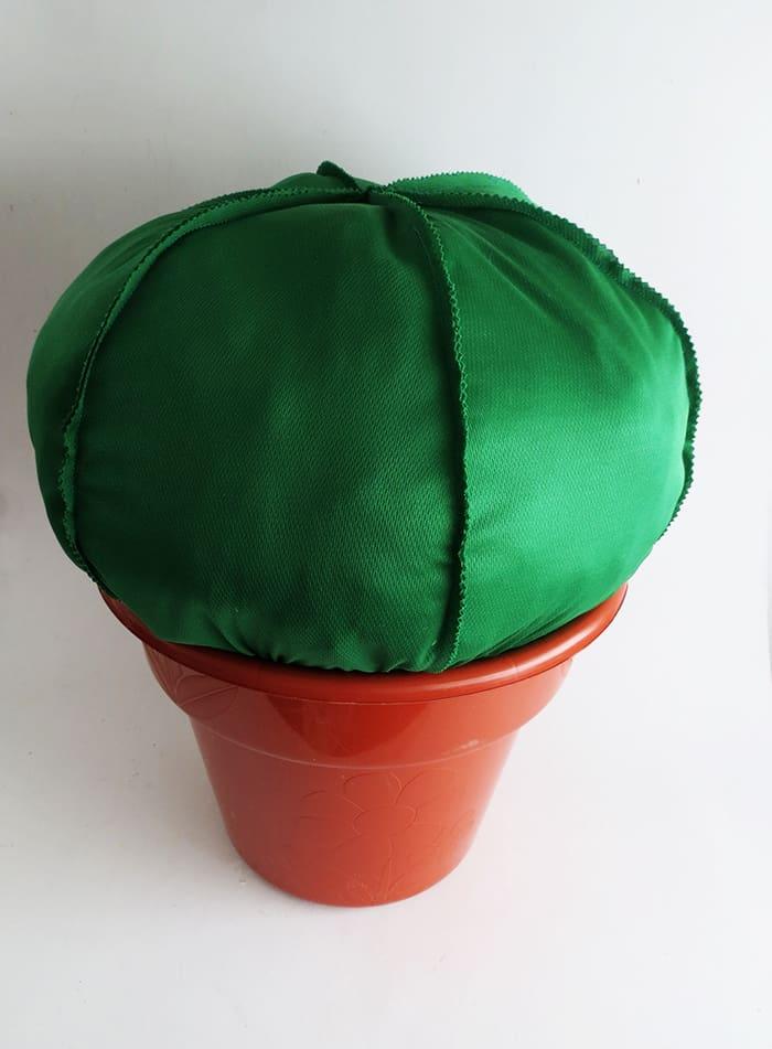 making cactus pouf