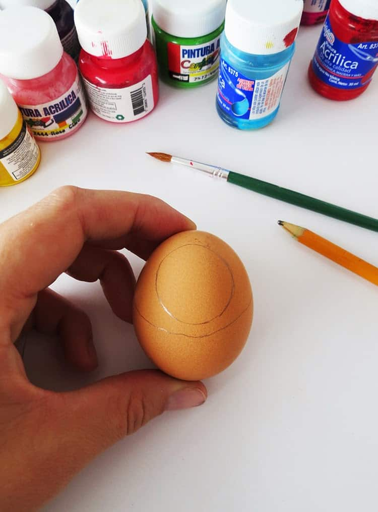 diy drawing on easter eggs