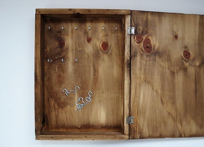 screwing hooks key box