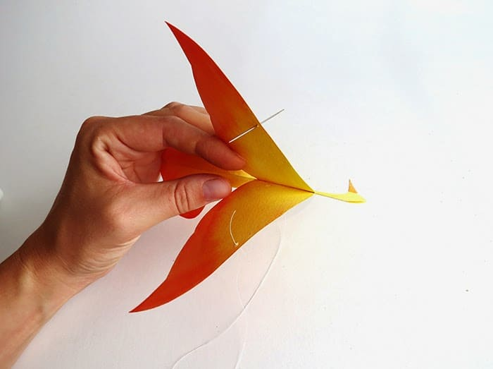 make a mobile with paper hummingbirds